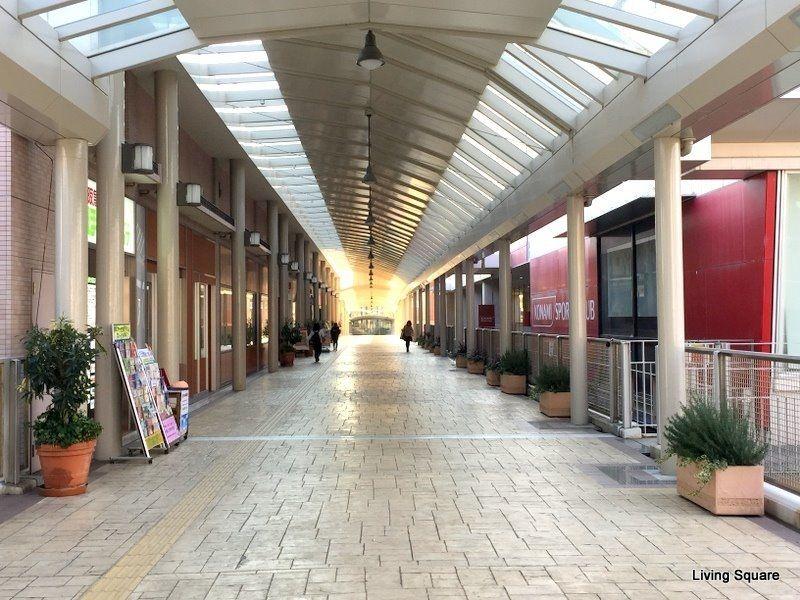 西宮北口駅・兵庫県立芸術文化センター・コナミスポーツクラブ・研伸館、そしてジオタワー西宮北口へとアクセスすることが可能となっております。