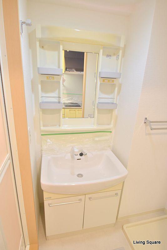 シャンプードレッサー付きの洗面化粧台