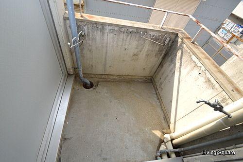 洗濯機置場はこちらになります。